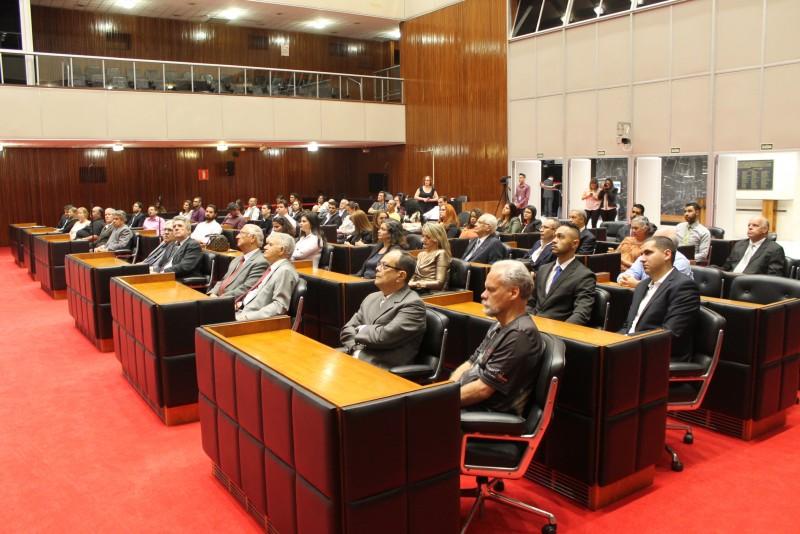 Braulio Braz participa da comemoração dos 52 anos da regulamentação da profissão de administração